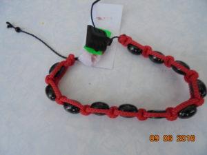 браслеты Спаси и сохрани вязаные с гагатом
