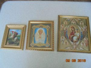 иконы в багетных рамах