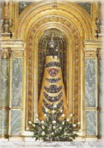 Лоретская  статуя  Девы  Марии