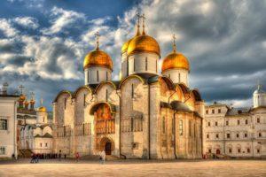 Патриарший  Успенский  собор  в  Москве